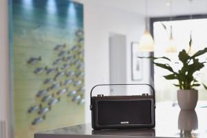 View Quest Hepburn DAB+ Radio mit Bluetooth-Funktion und 3,5mm Aux-In, schwarz – Bild 8