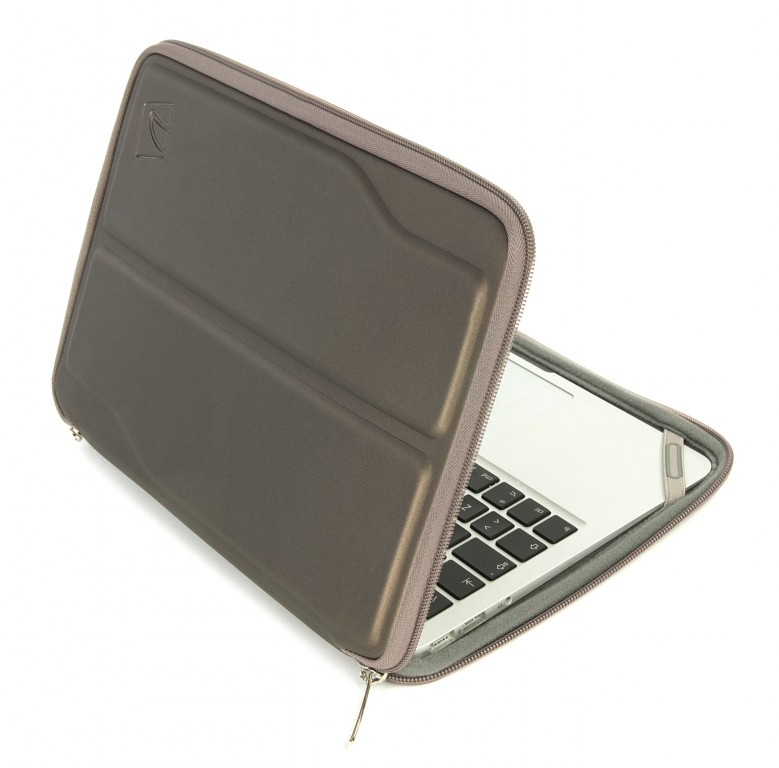 tucano innovo work in sleeve schutzh lle tasche macbook air 11 ultrabook grau notebook. Black Bedroom Furniture Sets. Home Design Ideas