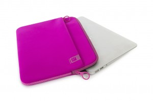 Tucano Top, Second Skin Neopren-Hülle für MacBook Pro 13 2016, fuchsia – Bild 3