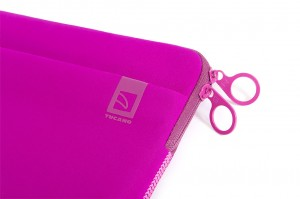 Tucano Top, Second Skin Neopren-Hülle für MacBook Pro 13 2016, fuchsia – Bild 6